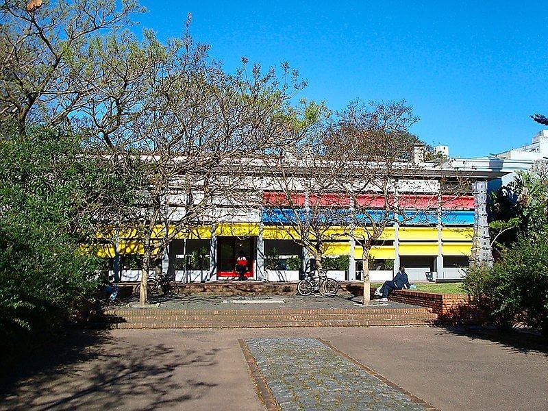 Museu Nacional de Artes Visuais em Montevidéu: entrada