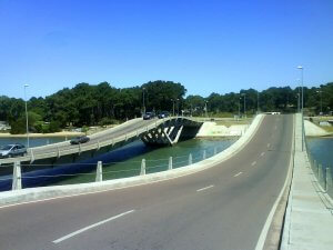 Viagem de carro de Punta del Este a La Barra: estrada