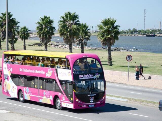 Passeio de ônibus turístico em Montevidéu