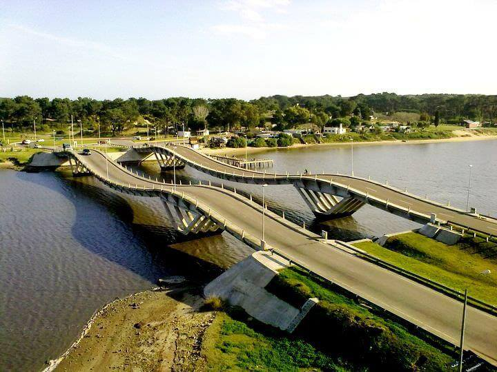 Punta del Este em abril: Puente de La Barra