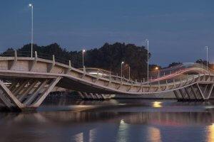 Punta del Este em julho: Puente de La Barra (ponte ondulada)
