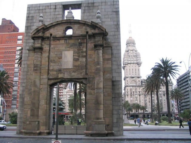 Puerta de la Ciudadela em Montevidéu