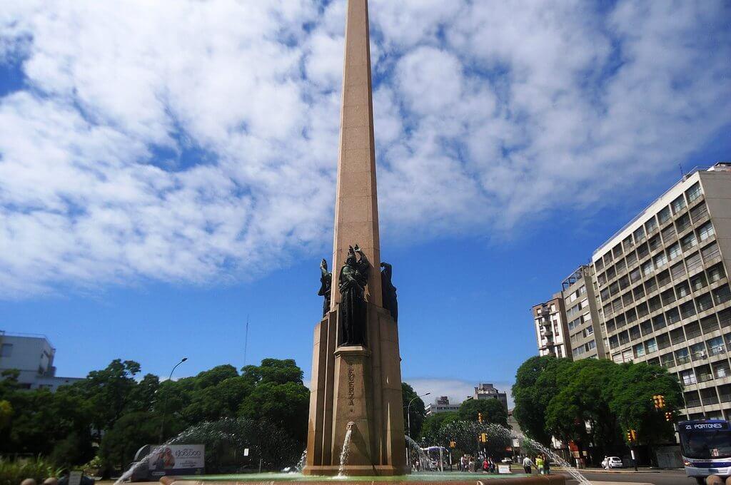 Roteiro de 3 dias em Montevidéu: Obelisco a los Constituyentes de 1830