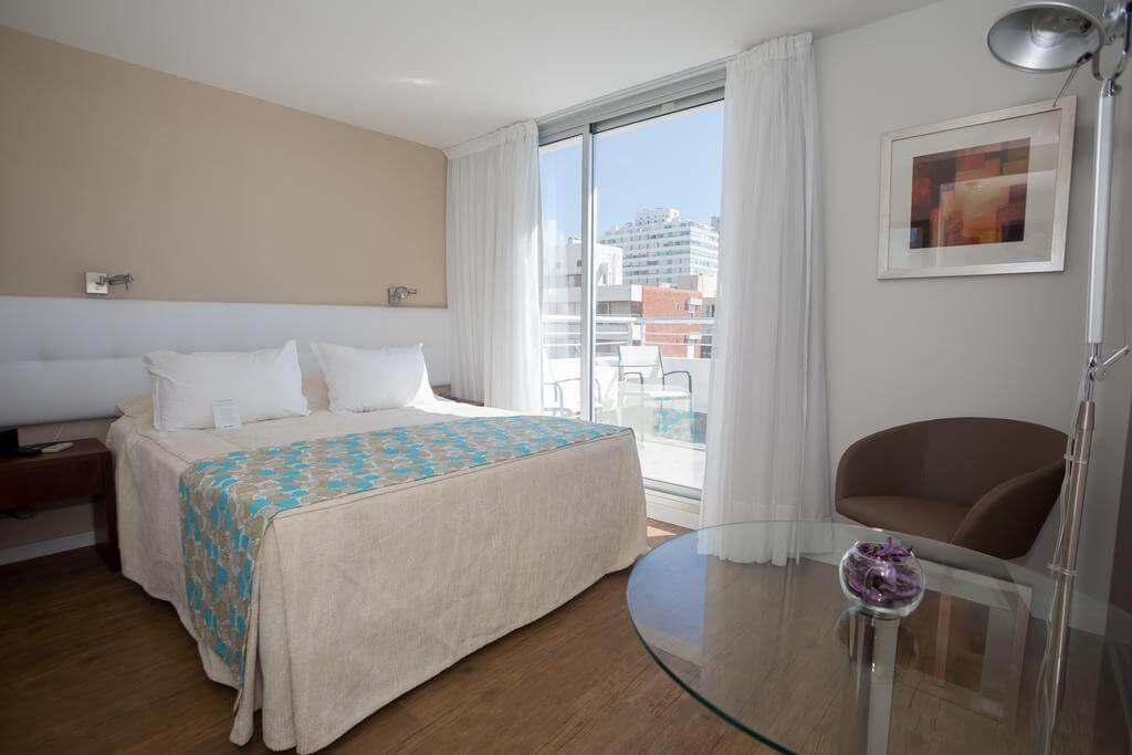Hotéis no centro turístico de Punta del Este: Sea View Hotel Boutique - quarto