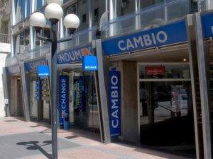 Onde trocar dinheiro em Montevidéu
