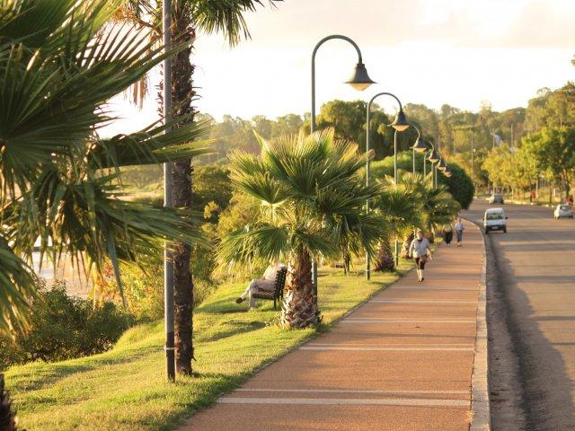Viagem de carro de Montevidéu a Carmelo: cidade