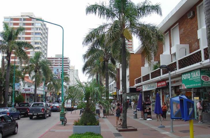 Punta del Este em fevereiro: Avenida Gorlero