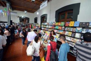 Montevidéu em maio: Feria Nacional del Libro Infantil y Juvenil