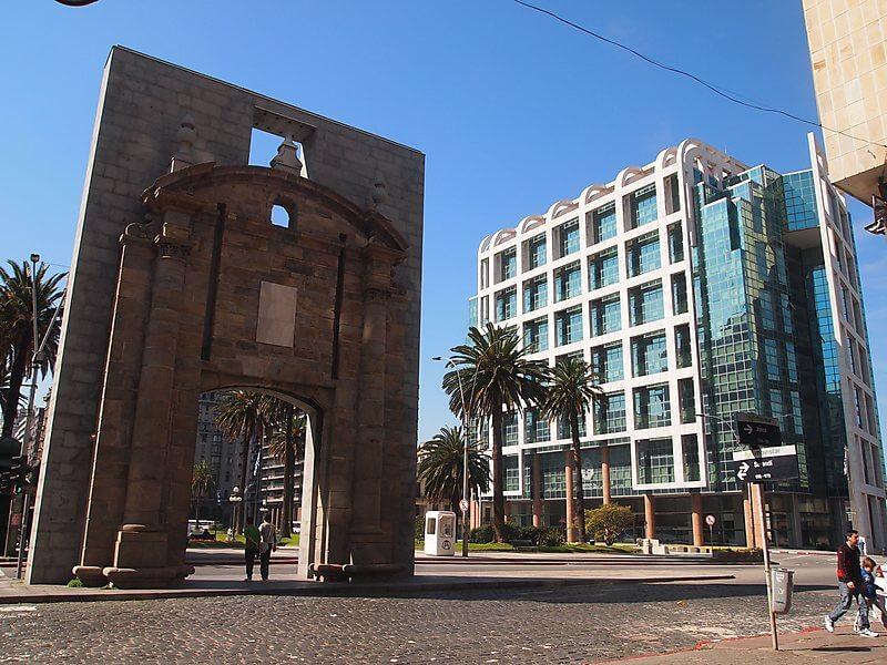 Remessas internacionais para Montevidéu: Puerta de la Ciudadela