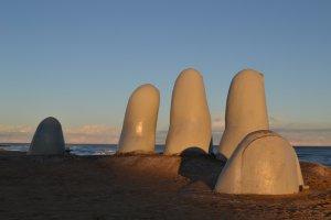 Monumento ao Afogado em Punta del Este: La Mano