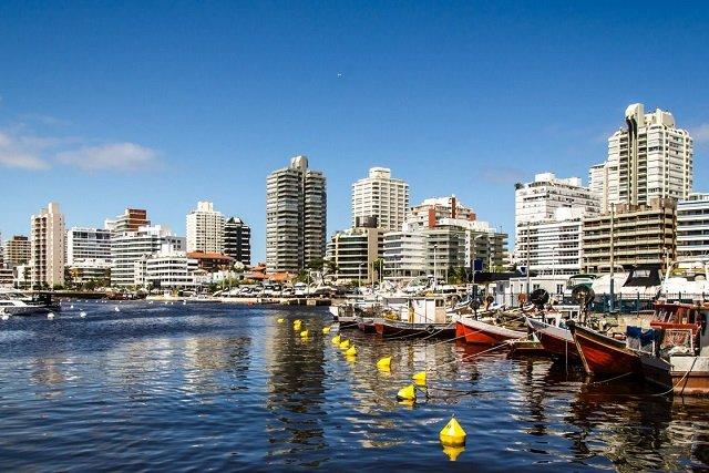 Como ir de ferry de Punta del Este a Buenos Aires